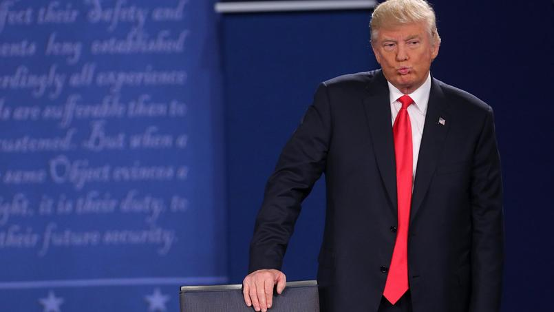 Donald Trump durant le deuxième débat avec Hillary Clinton le 9 octobre 2016.