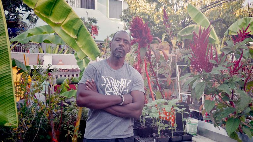 Le jardinier, ancien designer, défend une réappropriation de l'espace urbain.