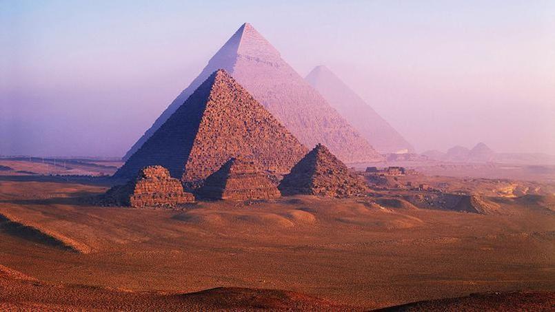 Après des analyses effectuées à l'aide de nouvelles technologies, la mission scientifique en charge du projet «ScanPyramids» a annoncé le 13 octobre avoir découvert deux nouvelles cavités inconnues dans la pyramide