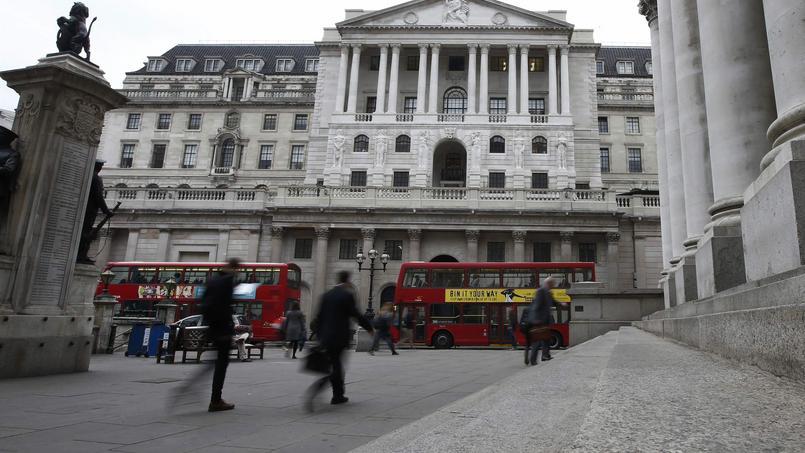 À Londres, devant la Banque d'Angleterre.