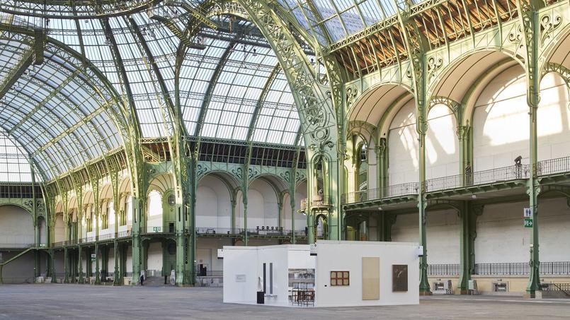 Le stand de la galerie Emmanuel Perrotin transformé en oeuvre d'art par le duo d'artistes dano-norvégien Elmgreen & Dragset, pile un mois avant l'ouverture de la 43e édition de la Fiac au Grand Palais (VIIIe).