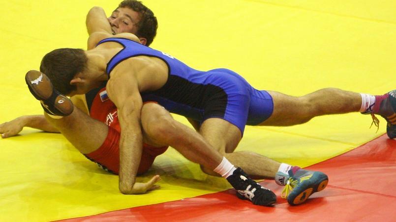 Besik Kudukhov (en rouge), double médaille olympique, est décédé en 2013 dans un accident de voiture.