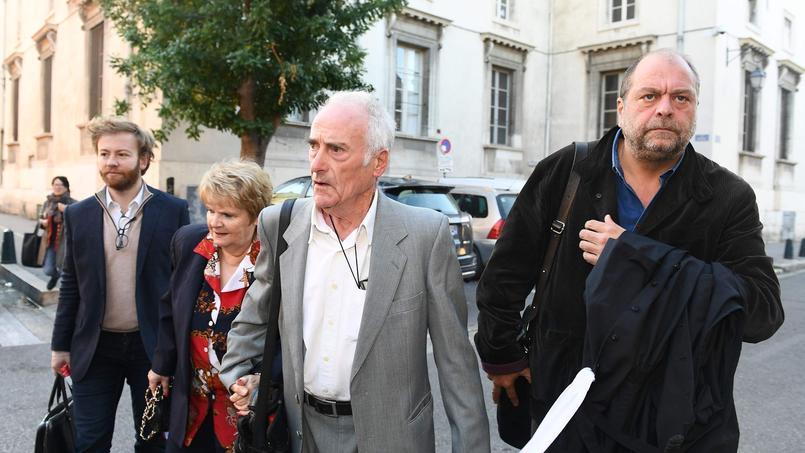 Les époux Le Guennec, accompagnés de leur avocat Éric Dupond-Moretti, à leur arrivée à la cour d'appel d'Aix-en-Provence