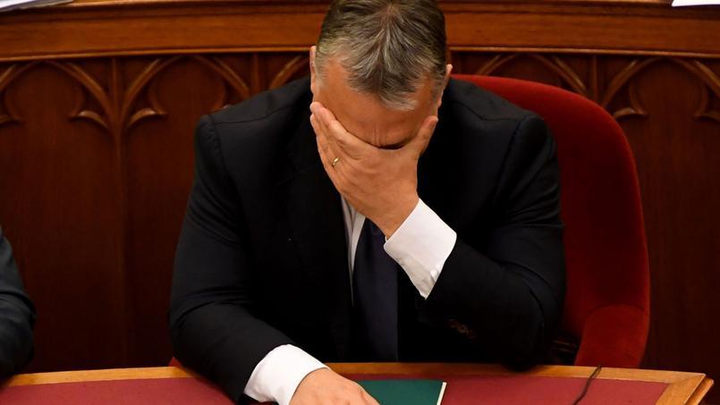 Le premier ministre hongrois, Viktor Orban, a subi mardi un nouveau revers, après l'invalidation de son référendum, en échouant à faire inscrire dans la Constitution sa politique hostile aux migrants.