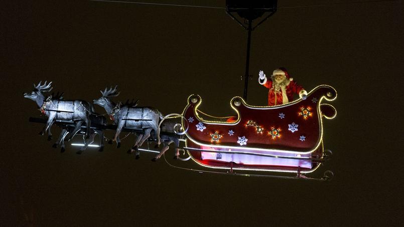 Le marché de Noël des Champs-Élysées est l'un des plus grands de France.