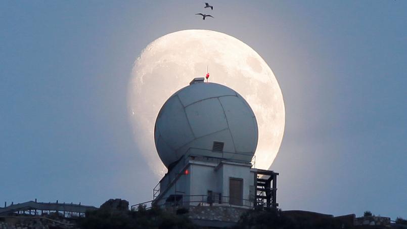 Au sommet du Rocher de Gibraltar, vendredi 11 novembre, trois jours avant la super lune de lundi.