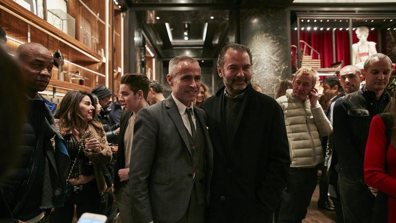 Thom Browne et Remo Ruffini, dans la nouvelle boutique de Moncler à New York, le 17 novembre.