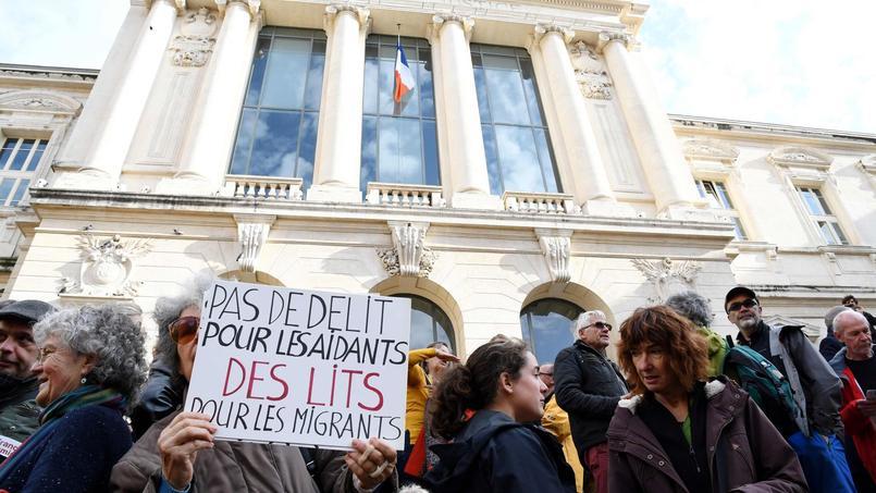 Manifestation de soutien à Pierre-Alain Mannoni, poursuivi pour avoir facilité le séjour irrégulier de migrants dans la vallée de Roya.