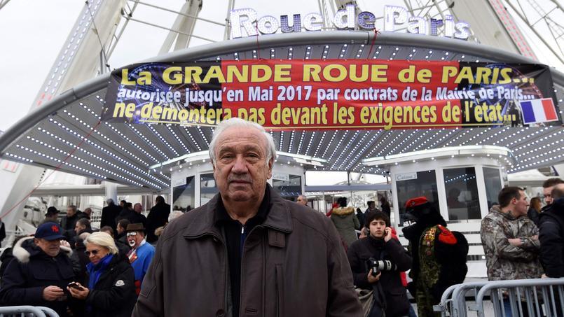 Après le coup de force de Marcel Campion place de la Concorde, la préfecture de Paris précise que l'installation de sa Grande roue est illégale.