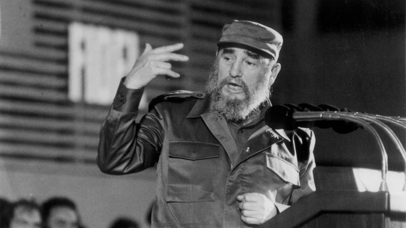 Fidel Castro lors d'un discourt à La Havane en 1988.
