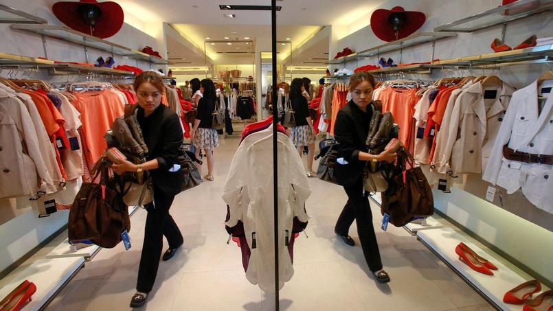 Mode : les plus gros consommateurs réduisent aussi leur budget