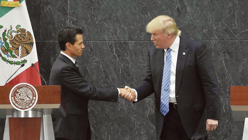 Poignée de main entre Enrique Peña Nieto, président du Mexique, et Donald Trump, le 31 août dernier à Mexico.