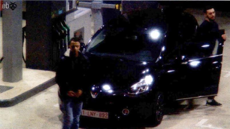 Le 11 novembre, Salah Abdeslam et Mohamed Abrini ont été repérés sur des images de vidéosurveillance d'une station-service de Ressons, dans l'Oise.