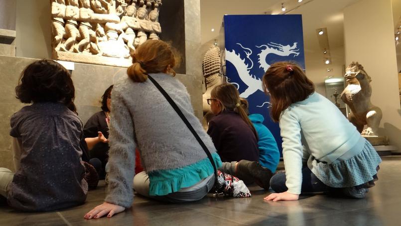 «À poils et à plumes»: Flammarionédite uneMuséobox autourduMuséeGuimet pourexercer la mémoire visuelle et la culture muséologique dujeunepublic.