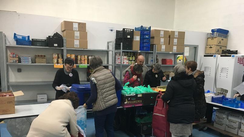 La distribution du matin était consacrée aux familles.
