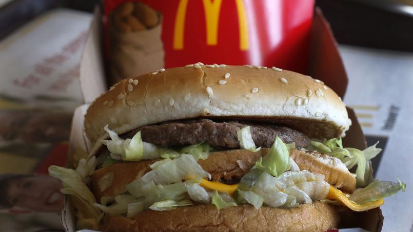 McDonald's était au départ réticent à commercialiser ce nouveau burger, plus grand et nourrissant que ses modèles de l'époque.