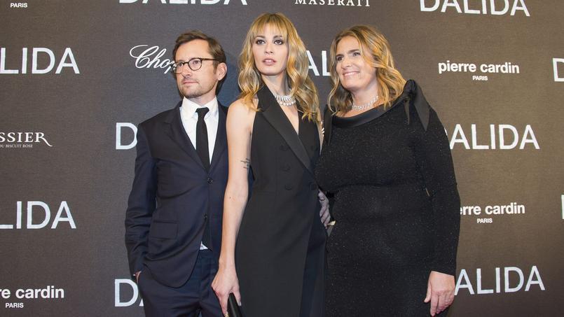 Le producteur Julien Madon, l'actrice Sveva Alviti et la cinéaste Lisa Azuelos.