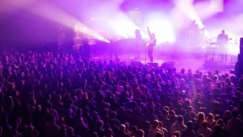 Chaque année, le festival rassemble entre 2000 et 3000 fans de reggae. En photo: l'édition 2013 du Issoudun Reggae Temple.
