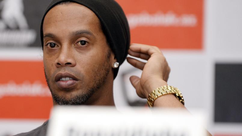 Crash d'avion: Ronaldinho et Riquelme proposent leur service à Chapecoense