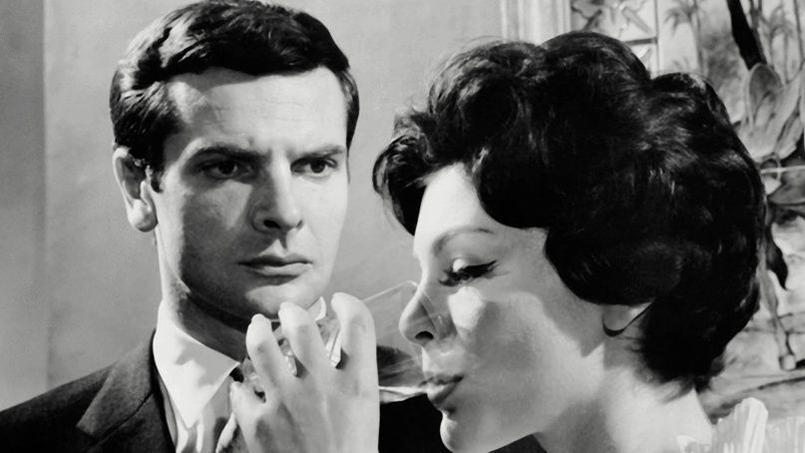 L'acteur Paul Guers a été retrouvé mort au côté de son épouse, la romancière Marie-Josèphe Guers, lundi 28 novembre 2016. Dans les années 60, il joua notamment dans La Fille aux yeux d'or et Marie-Octobre.