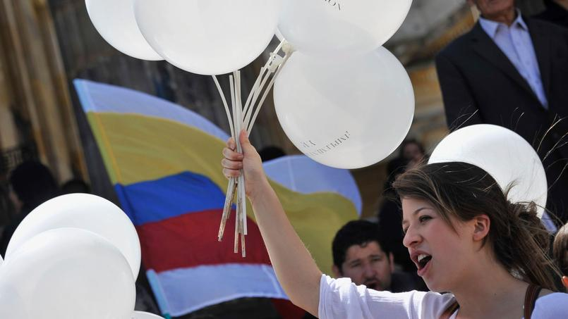 Une femme hier à Bogota alors que le gouvernement colombien ratifiait l'accord de paix avec les Farc.