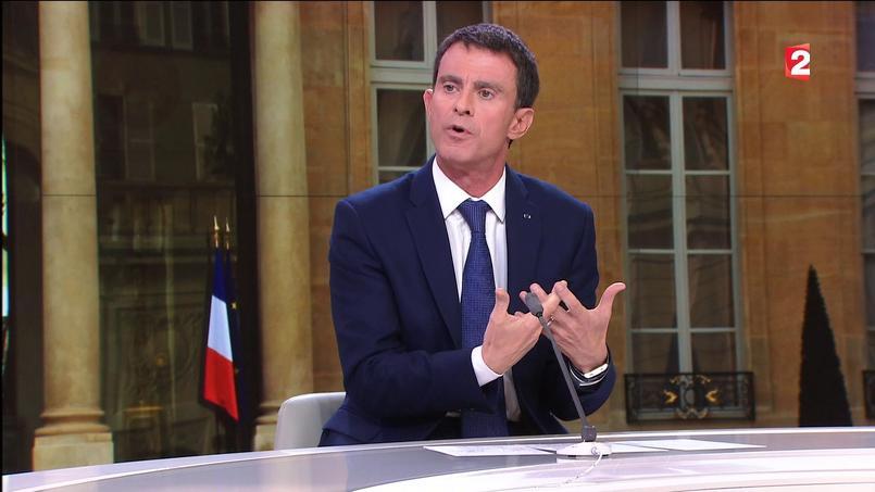 Manuel Valls, mardi soir, sur le plateau du 20H de France 2.