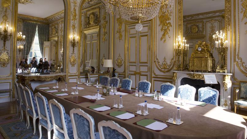 Bernard Cazeneuve remplace Manuel Valls comme premier ministre — France