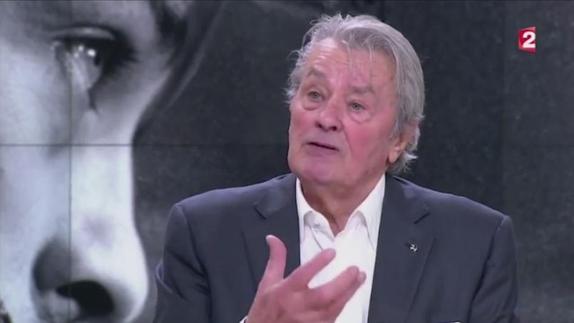 Alain Delon a déclaré que son ancienne compagne «allait mieux» sur le plateau du JT de France 2.