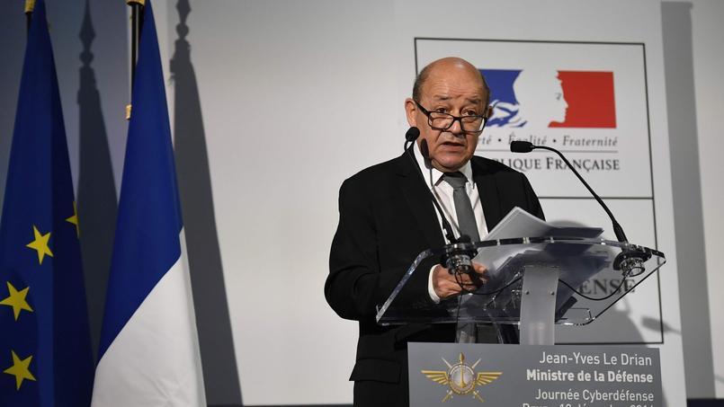Jean-Yves Le Drian, ministre de la Défense, a présenté lundi la nouvelle doctrine française en matière de combat numérique.