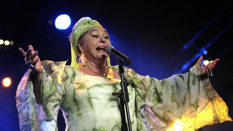 Esma Redzepova en juillet 2006 lors d'un concert au Paleo Festival de Nyon en Suisse.