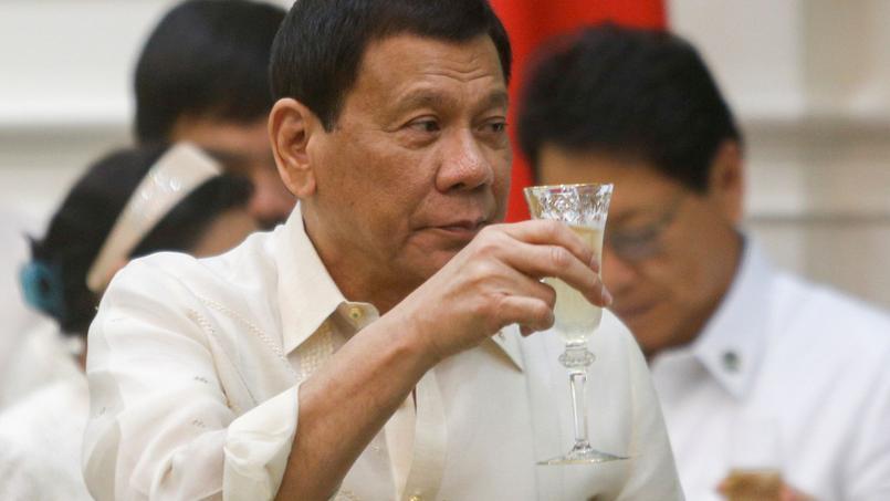 Le président Duterte durant une cérémonie au Cambodge ce mercredi