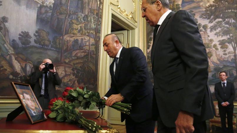 Le meurtre de l'ambassadeur russe en Turquie est une provocation — Poutine