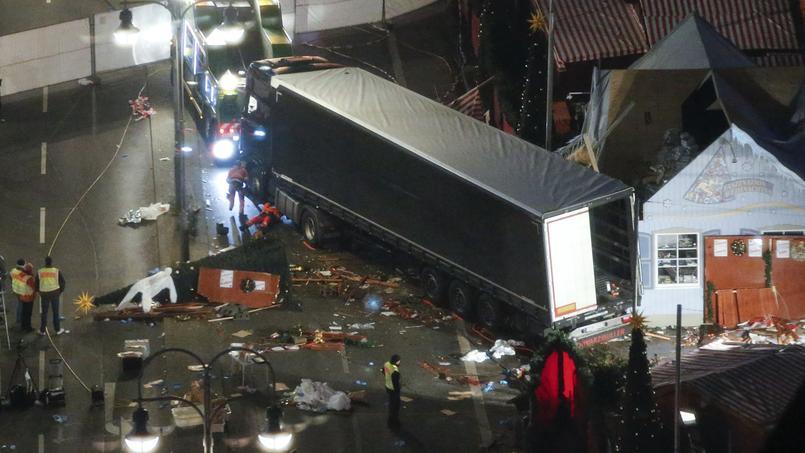 Le camion a foncé dans la foule du marché de Noël à Berlin.