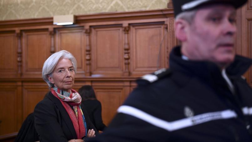 Christine Lagarde. Une pétition demande