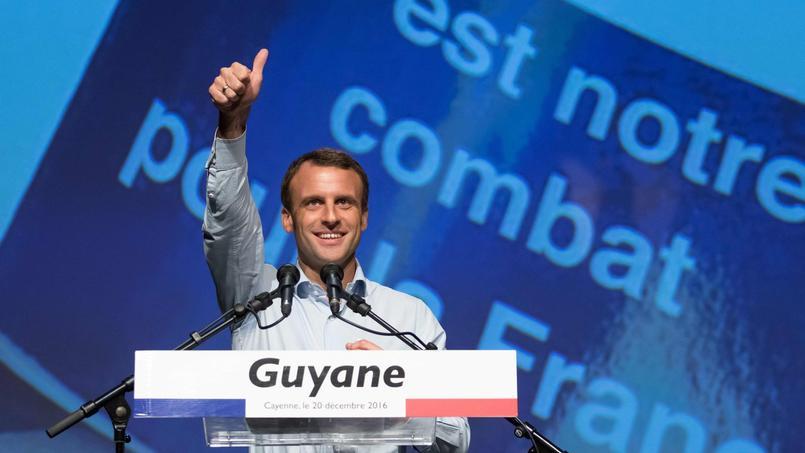 Pour 55% des Français, Emmanuel Macron ferait un meilleur président que François Fillon