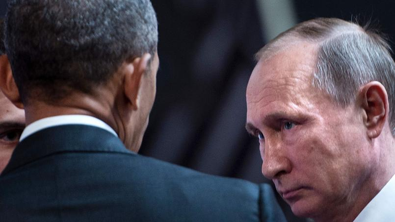 Le président américain Barack Obama et son homologue russe, Vladimir Poutine, au sommet de l'Organisation de coopération économique Asie-Pacifique (APEC), à Lima, le 20 novembre.