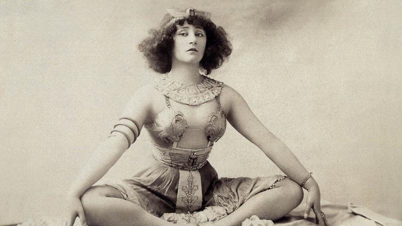 Colette dans la pantomine «Rêve d'Égypte» au Moulin Rouge en janvier 1907.