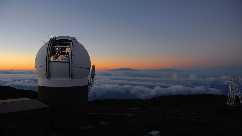 La plus grande carte du ciel est l'assemblage de millions d'images prises par l'observatoire Pan-STARRS1, au sommet du mont Halealakela sur l'île de Maui, à Hawaï.