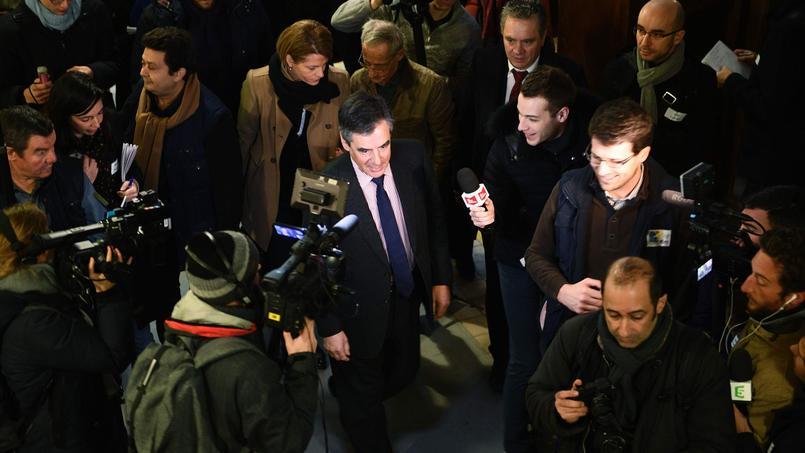 En visite dans un centre Emmaüs, mardi à Paris, François Fillon a insisté sur «la véritable démarche d'insertion» qu'offrent de telles structures..