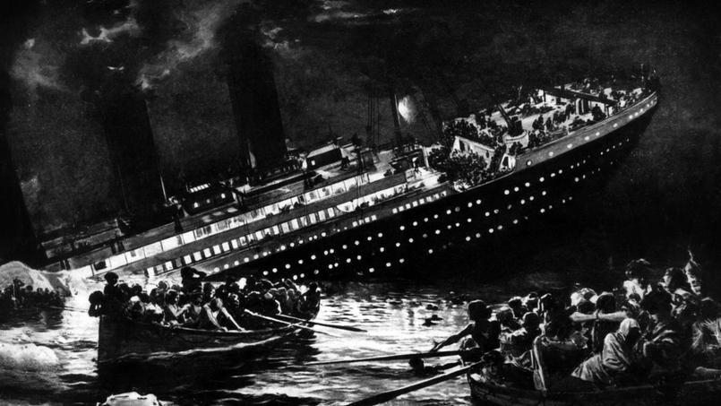 Titanic: le paquebot est en train de sombrer sous le regard des rescapés qui ont pu être évacués dans des barques.