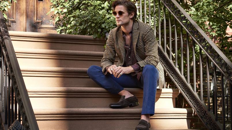 L'acteur Matt Smith, en veste Incotex et jean Tom Ford, joue les mannequins d'un jour pour le site.