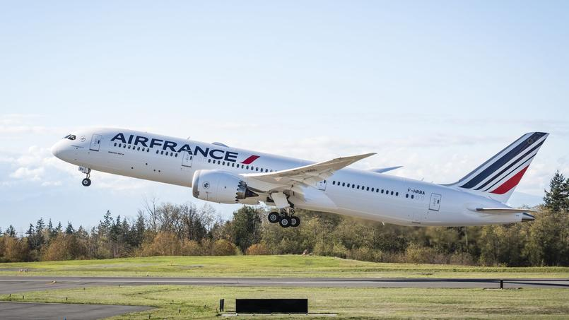 Premier vol du nouveau Boeing 787 d'Air France.