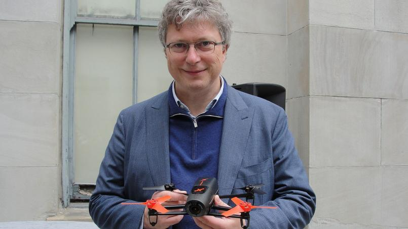 En difficulté, Parrot infléchit sa stratégie sur les drones grand public