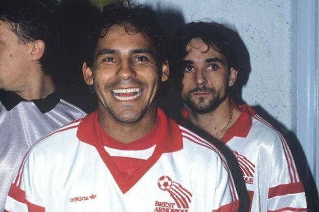 Roberto Cabañas avec le maillot du Stade Brestois.