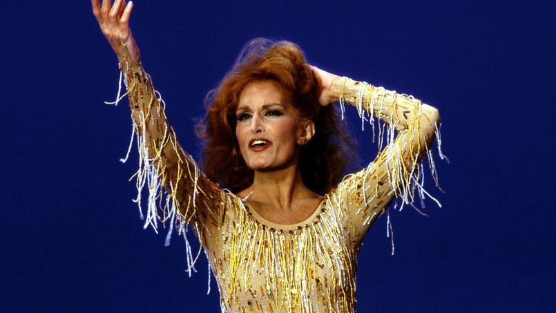 Dalida dans l'émission de Jean-Christophe Averty «Dalida idéale» en 1984.