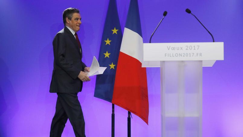 Dans les Alpes-Maritimes, Fillon met à jour son projet en matière d'immigration