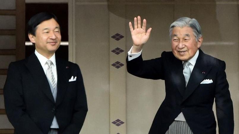 Le prince héritier Naruhito et l'empereur du Japon, Akihito, en janvier 2015 à Tokyo.