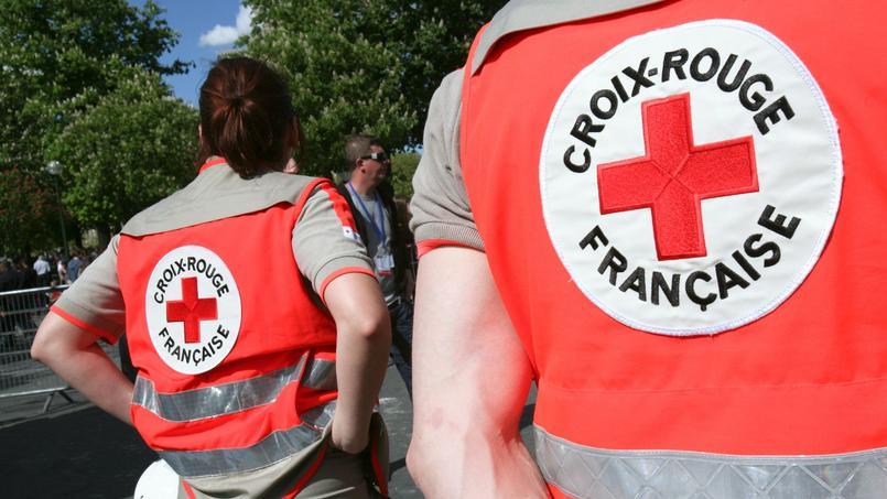 Des bénévoles de la Croix-Rouge française.