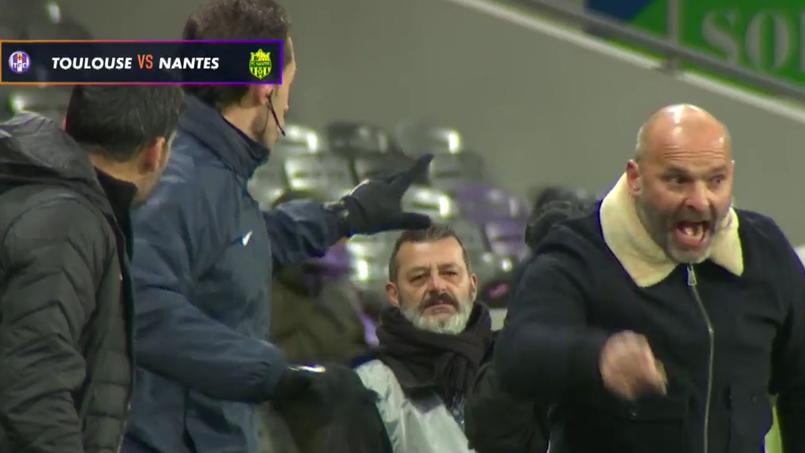 Pascal Dupraz s'en prend à Sergio Conceicao sur le banc de touche pendant la rencontre Toulouse-Nantes.
