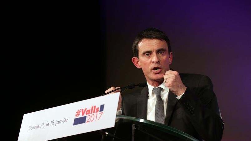 Manuel Valls justifie la suppression de cette mesure en 2012 par la nécessité budgétaire.